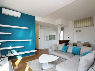 Furnished, 2-bedroom penthouse (90m2) with a terrace (50m2) and a parking space