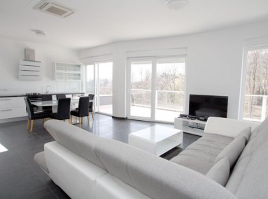 Un/furnished, modern, very bright, 2-bedroom penthouse (120m2) with a large terrace (60m2) and 2 parking spaces