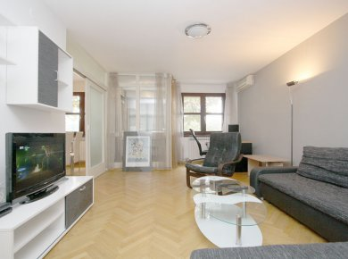 Furnished, 3-bedroom apt (100m2) with a garage, located near Maksimir Park