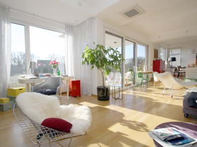 Luxury, 4-bedroom apt (290m2) with a garden and outdoor pool, close to International Schools