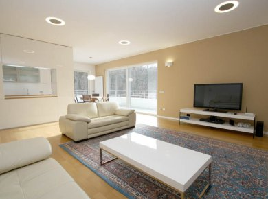 Un/furnished, modern, 2-bedroom penthouse (125m2) with a terrace (80m2) and a parking space