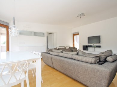 furnished, 2-bedroom penthouse (100m2) with a terrace (150m2!) and two parking spaces