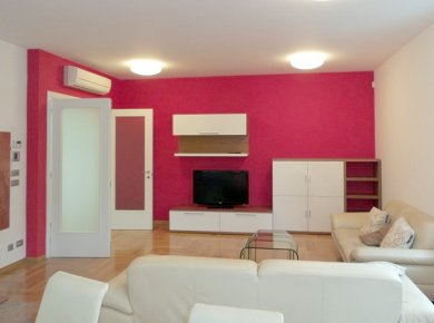 Un/furnished, 4-bedroom ground floor apt (150m2) with a garden, terrace and a parking space located in Ružičnjak Street