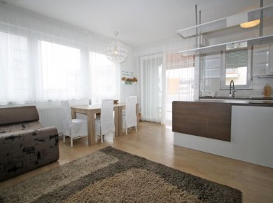 New (2015), furnished, 2-bedroom apt (75m2) with a garage nearby Lake Jarun
