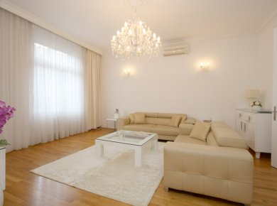 Furnished, 2-bedroom apt (100m2) with a garage (optionally)