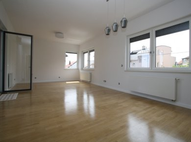 New, unused, 2-bedroom apt (67m2) with a terrace and a parking space