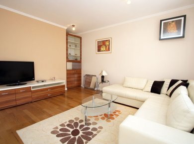 Un/furnished, 3-bedroom apartment (120 m2) with a garden (100 m2), terrace and a garage